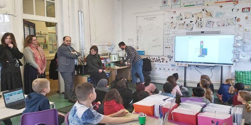 ԿԳՄՍ նախարարը Լոնդոնում այցելել է «Տորիանո» տարրական դպրոց