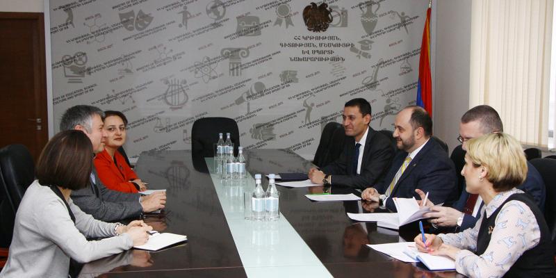 Министр образования, науки, культуры и спорта РА Араик Арутюнян принял делегацию Азиатского банка развития