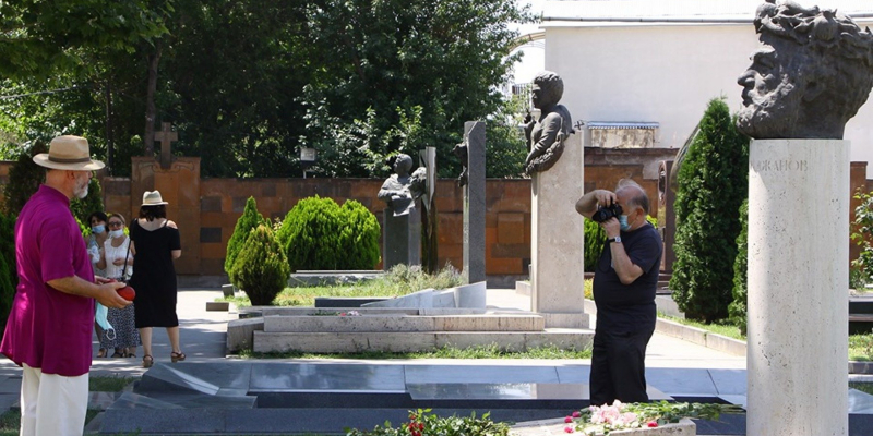 RA Minister of Education, Science, Culture and Sports Arayik Harutyunyan laid flowers on the grave of the renowned artist Sergei Paradjanov in commemoration of the 30-th death anniversary