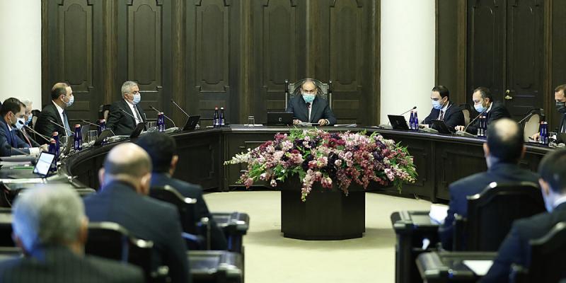 Премьер-министр Армении: Строгое соблюдение правил эпидемии в школах обязательно