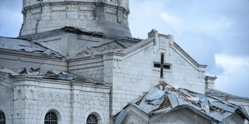 Մշակութային վանդալիզմ. հրետակոծվել է Շուշիի Սուրբ Ամենափրկիչ Ղազանչեցոց եկեղեցին