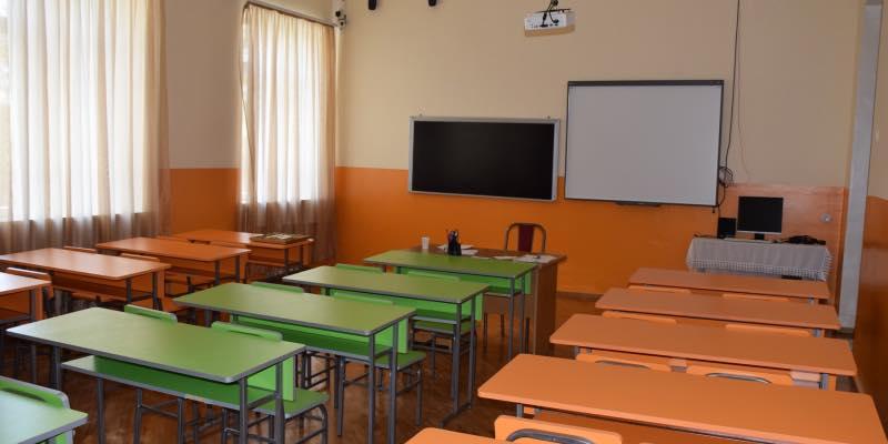 Осенние школьные каникулы будут продлены еще на 2 недели