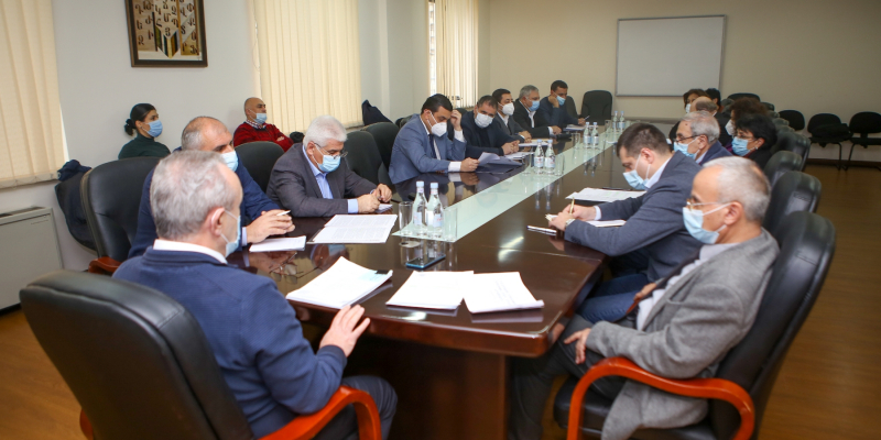 The ESCS Minister responds to the initiative of the board of rectors