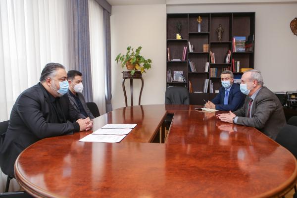 Обсуждены вопросы, касательно деятельности и предстоящих программ Национального филармонического оркестра Армении