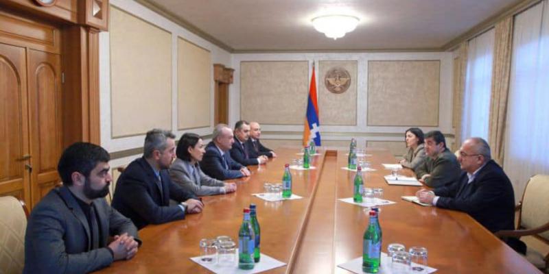 Президент Республики Арцах А. Арутюнян принял делегацию во главе с министром НОКС РА В. Думаняном