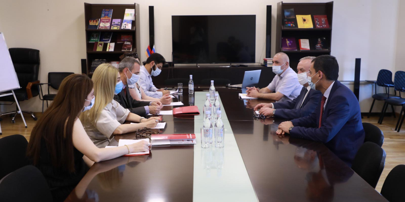 Vahram Dumanyan receives the Delegation of the International Committee of the Red Cross and the Armenian Red Cross Society