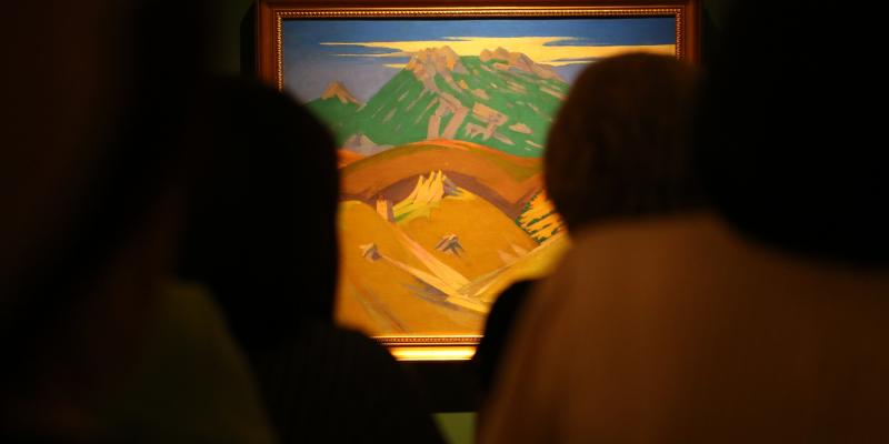«Հիշողության կերպարանքներ...» սեմինարի մասնակիցները ներկա են գտնվել Այվազովսկու «Չումակներ: Սայլավորներ» կտավի ցուցադրությանը