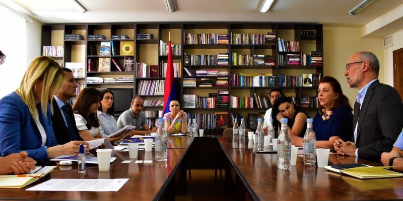 Զարգացնելով քաղաքացիական կրթությունը հայաստանյան կրթական համակարգում